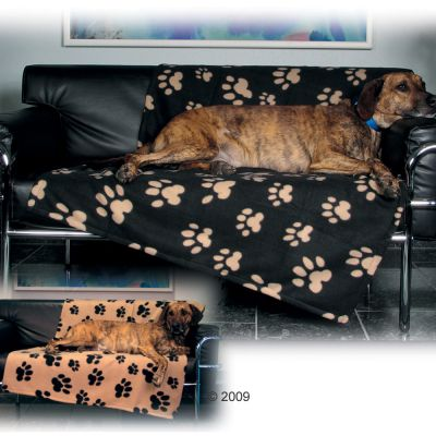 Trixie Fleece Blanket Barney beige with black paw prints