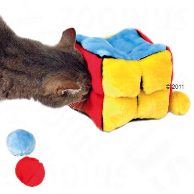 Trixie Stuffed Cube with 4 catnip-filled balls - 14 cm long