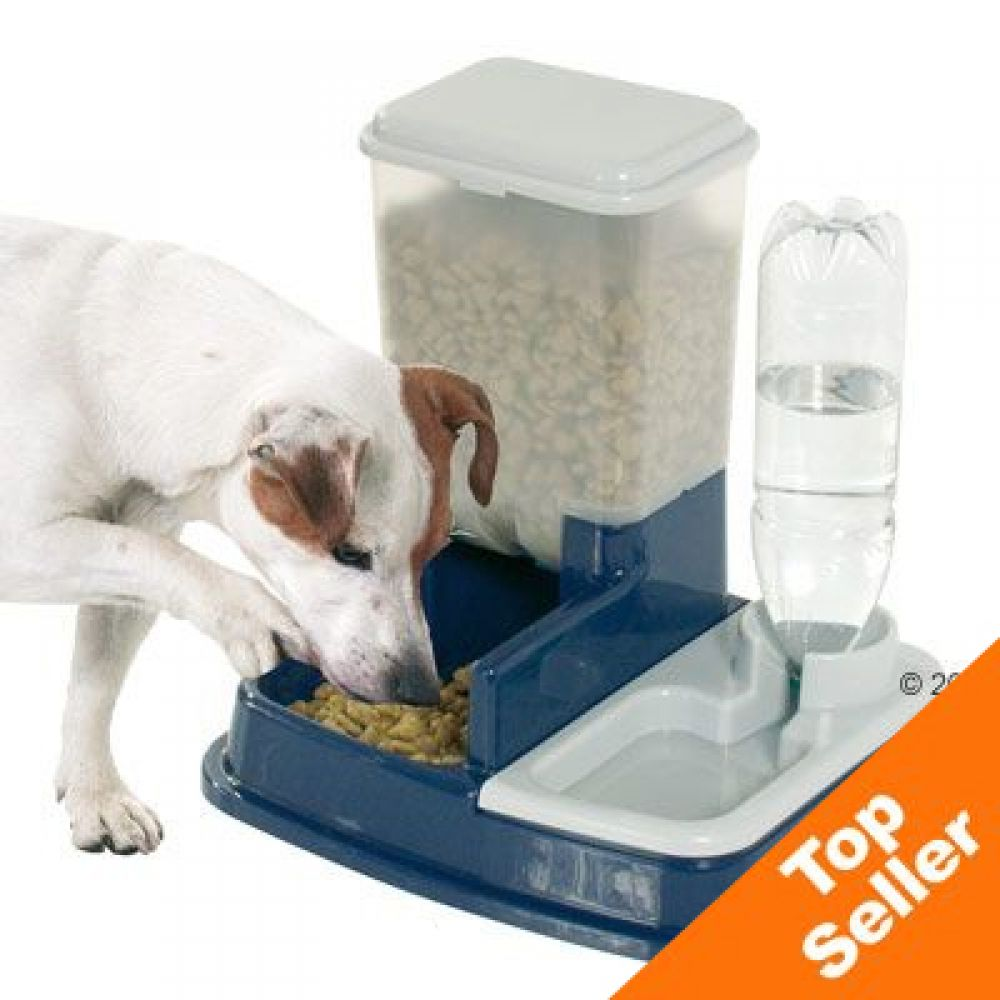 The dry food container is kept appetisingly fresh and is always available to your pet