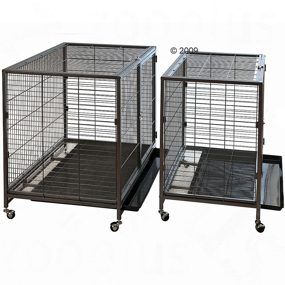 The indoor cage Tabby II is extremely robust and equipped with wheels so you can move it around quickly and easily