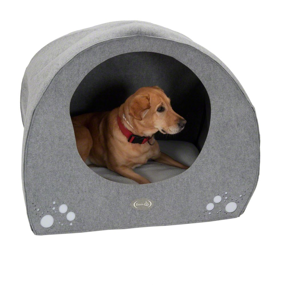 This delightful dog den is igloo-shaped and provides your dog with a protected comfortable place where it can get some peace and quiet